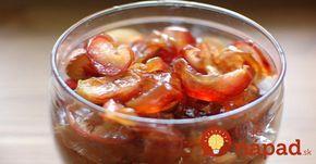 Škoda, že som tento recept nepoznala skôr. Suchý džem z jabĺčok pripravíte rýchlo v rúre a môžete si na ňom pochutnávať celé týždne. Dlho vám však pravdepodobne nevydrží, keďže sa po tejto dobre vždy len tak zapráši.
