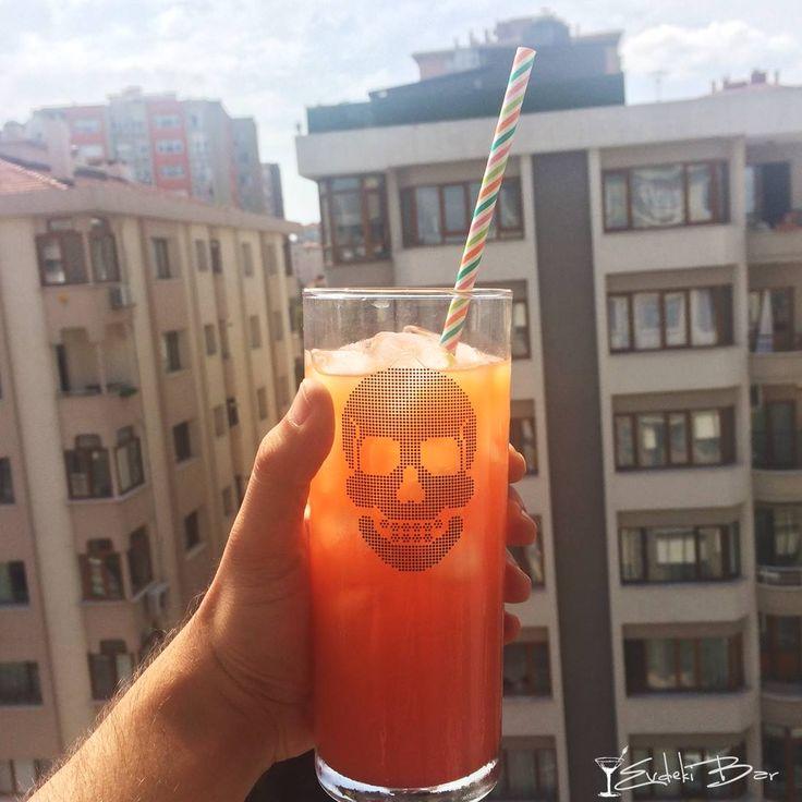 Fuka Baharatlı rom, Malibu, portakal suyu, ananas suyu, grenadine #kokteyl #cocktail #içki #alkol #alcohol #delicious #yummy #portakal #orange #ananas #rum #rom #bar #evdeki #tarif #mixology #fuka