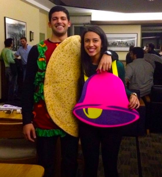 Taco Bell | 31 Two-Person Costume Ideas That'll Up Your Halloween Game