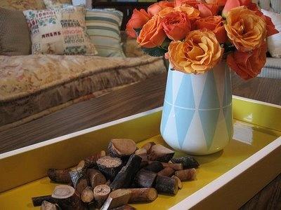 painted vase: Arrangements Ideas, Rose Gardens, Decor Ideas, Fall Decor, Rose Flower Arrangements, Autumn Flower, Color Rose, Flower Gardens, Gardens Rose