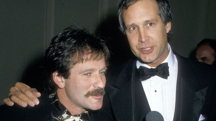 Robin Williams: Chevy Chase, Danny DeVito and More Pay Homage
