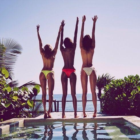 【ELLEgirl】#SummerIsComingSoon|セレブのHOTな水着スナップをSNSで大追跡!|エル・ガール・オンライン