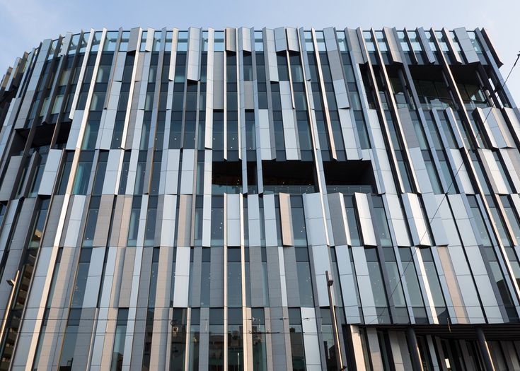 TOYAMA KIRARI Toyama, Japan 2010.10-2015.08 26792.82m2 Toyama Kirari is located at the heart of Toyama City. It is a building that integrates a glass art museum, city library, and a local bank. A diagonal void at the center of the building distributes natural light from the south effectively, and helps to connect the three main programs. Panels of local solid cedar surrounding the void contribute to create a warm and friendly atmosphere, and is worthy of being called the core of the…