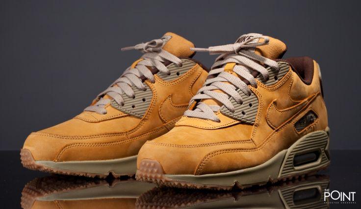 Zapatillas Nike Air Max 90 Premium Wheat, ya puedes #compraronline en nuestra #sneakershop #ThePoint la nueva entrega del modelo de zapatillas #NikeAirMax90 perteneciente al lanzamiento de #ediciónlimitada #WheatPack que #Nike lanza en esta colección #OtoñoInvierno2015, clica aquí y descubrela, http://www.thepoint.es/es/zapatillas-nike/1404-zapatillas-hombre-nike-air-max-90-premium-wheat.html