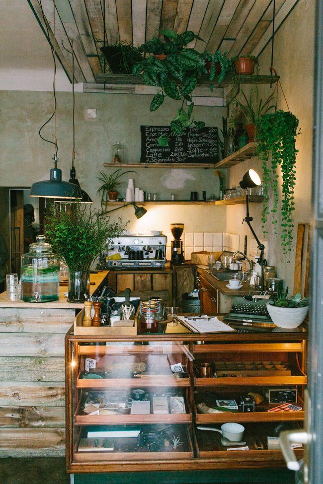 Berlin. Neukölln. Roamers cafe