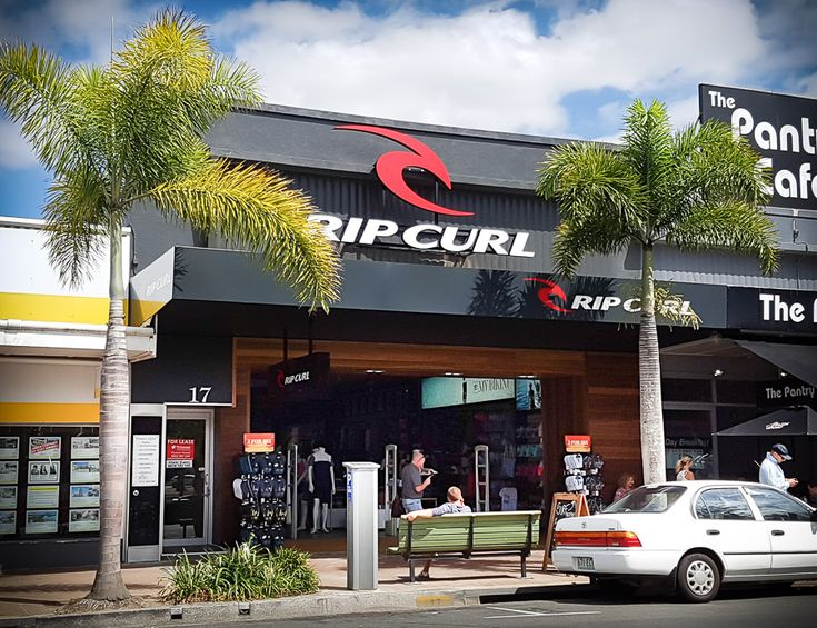 @trivision_aus recently completed project at Burleigh Heads for Rip Curl. #Shopfitting #fitout #cabinetmaking #architecture #design #drafting #signage #signs #fabricatedlettering #retail #retaildesign #construction #signwriting #trivision #trivisionshopfitting #timber #brisbane #autocad #sketchup #corel #coreldraw #topsolid #pytha #adobeillustrator #adobephotoshop #shopforshops #ripcurl