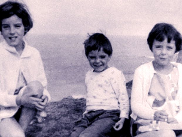 On a bright summer day in 1961, the Beaumont children vanished from a south Australian beach. Nearly 50 years later, their whereabouts remain a mystery.