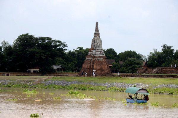 http://elpachinko.com/viajes-a-tailandia/ayutthaya-excursiones-cruceros/  Crucero desde Ayutthaya: en busca de la Tailandia menos turística