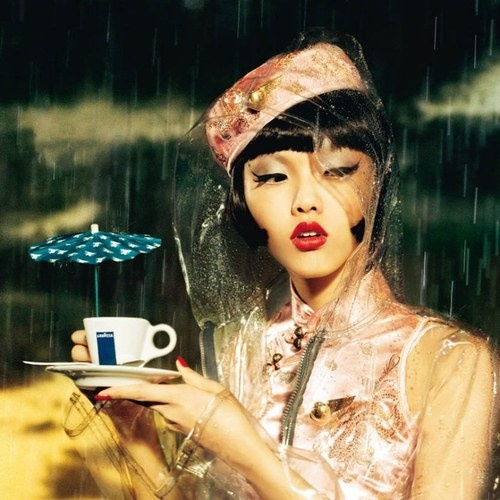 Photographer: Ellen von Unwerth  - Lavazza 2006