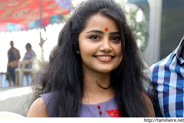 Anupama gets the sack from new Telugu film opposite Ram Charan Teja - http://tamilwire.net/59465-anupama-gets-sack-new-telugu-film-opposite-ram-charan-teja.html