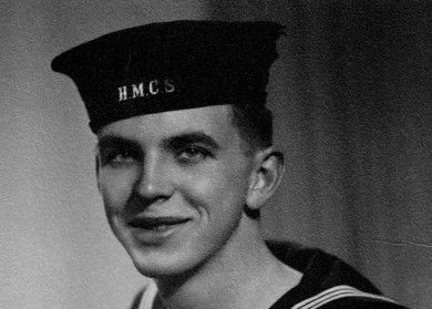 Jack McCarst en uniforme de la Marine Royale Canadienne (Royal Canadian Navy).