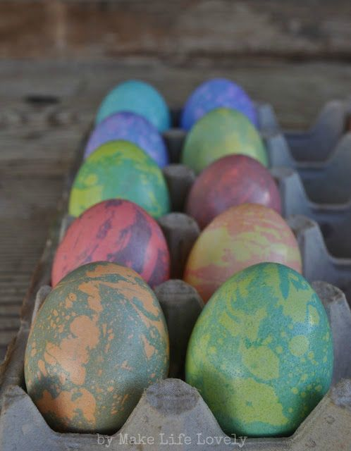 Easy Marbled Easter Eggs Tutorial