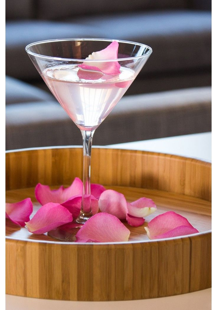 Rose Martini – Australian Jacinta Moore came up with this pretty rose martini recipe, featured on Design Sponge. #cocktailrecipes