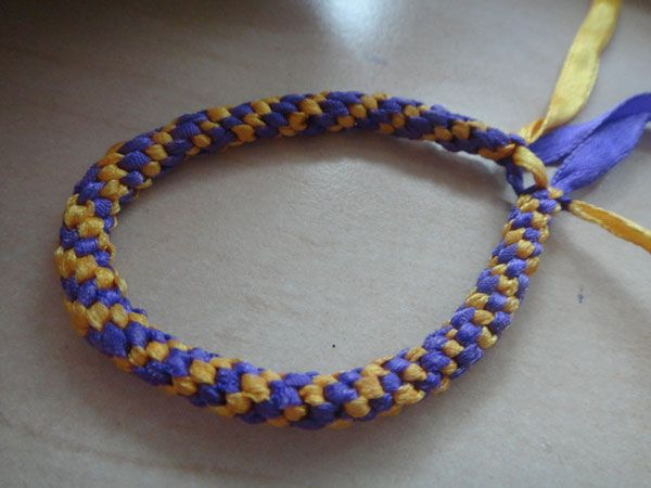 117 best images about bracelets on pinterest 12 for How to weave a net with string
