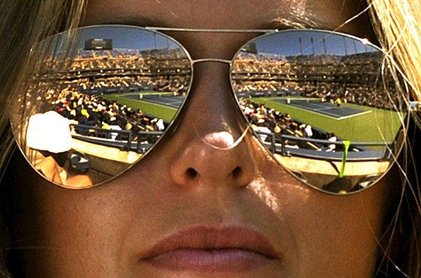 Andy Murray's girlfriend Kim Sears watches him play against John Isner during their U.S. Open quarterfinal match.  September 2011.  #tennis