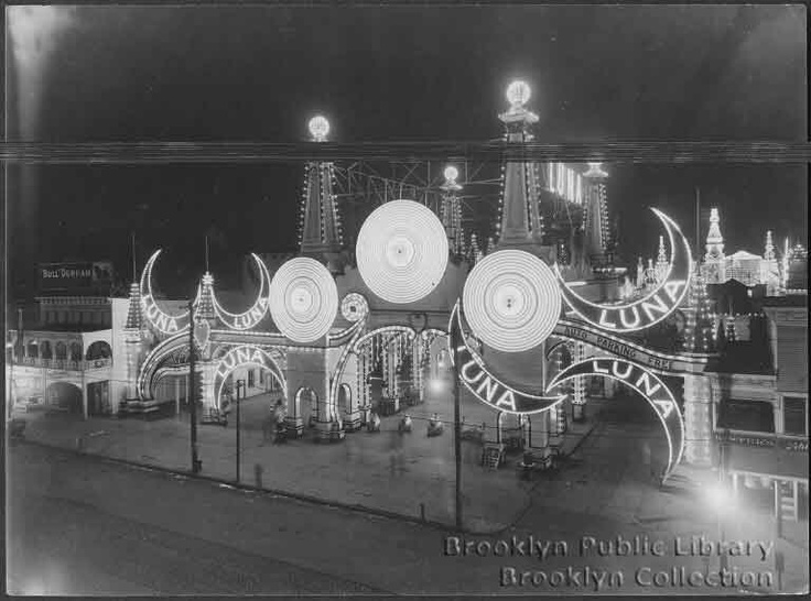 Awesome Entrance To Luna Park, Coney Island, New York Images