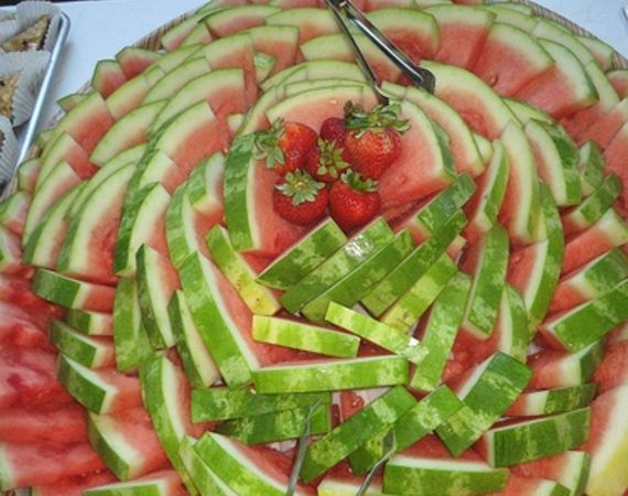 Great way to display watermelon.    Easy Fruit Tray Ideas for Parties | eHow.com