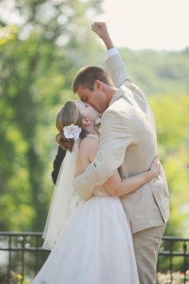First kiss wedding photographer. Blue, turquoise, and white wedding, Brakefield wedding, SC, NC and SC wedding planner