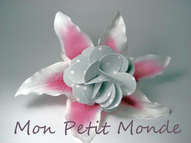 Flor para broches, coleteros o diademas en Gris con lunares en rosa