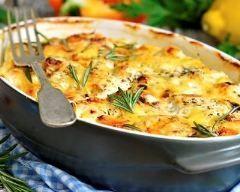 Gratin de légumes à la provençal : http://www.cuisineaz.com/recettes/gratin-de-legumes-a-la-provencale-79350.aspx