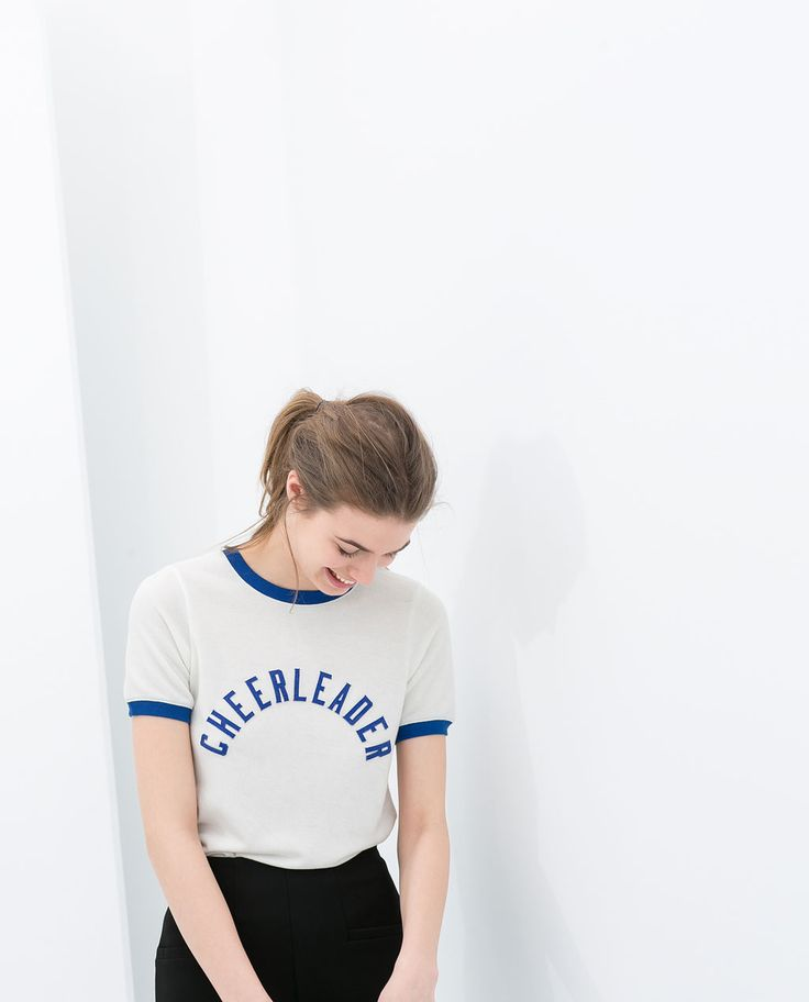Image 3 de T-SHIRT MANCHES COURTES de Zara