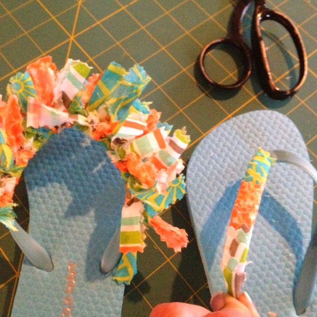A Fun Way To Decorate Your Little Girls Flip Flops For Summer 1 X4 Strips Of 3 Coordinating Colors Patterns A Decorating Flip Flops Girls Flip Flops Crafts