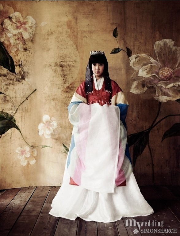 Bridal modern 한복 Hanbok / Traditional Korean dress by Lee Hye-Sun