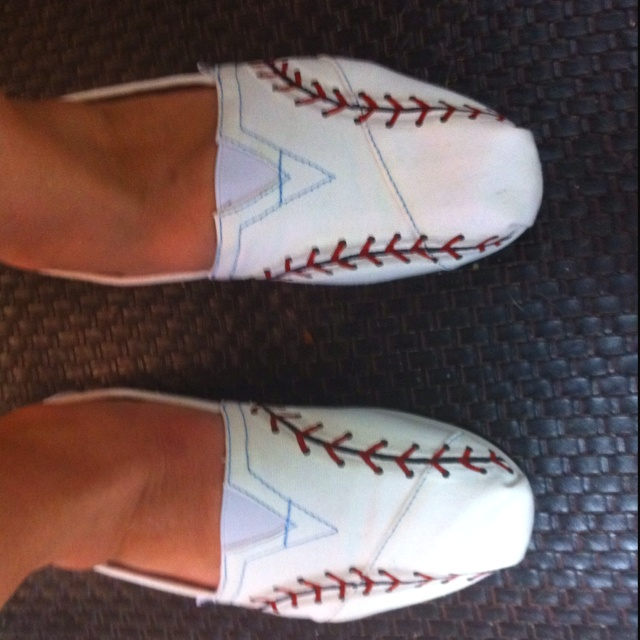 Toms painted with baseball laces....you can do this with any pair of white tennis shoes or flats.                                                                                                                                                                                 More
