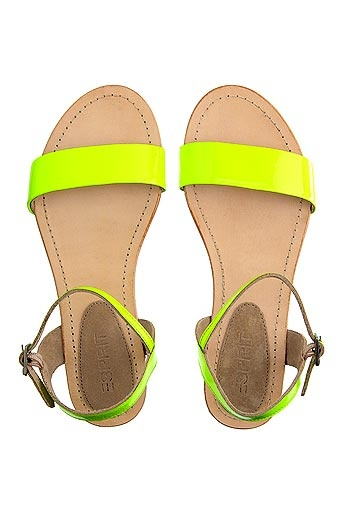 Fluo sandals - A MUST for Summer 2012