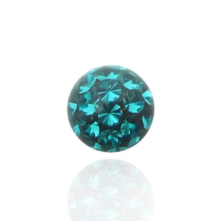 Eclat incomparable pour cette boule en cristal de swarovski de grande qualité recouverte d'un résine protectrice.