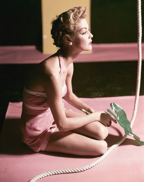 Jean Patchett shot by Horst P. Horst, Vogue US 1951