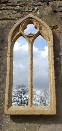 Gotischer Gartenspiegel - 81cm x 36cm