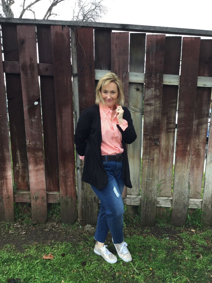 Checked shirt and jeans // petite fashion // whats up Cork