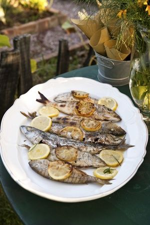 I like so much roast fish sprinkled with lemon and a good extravergine olive oil #food