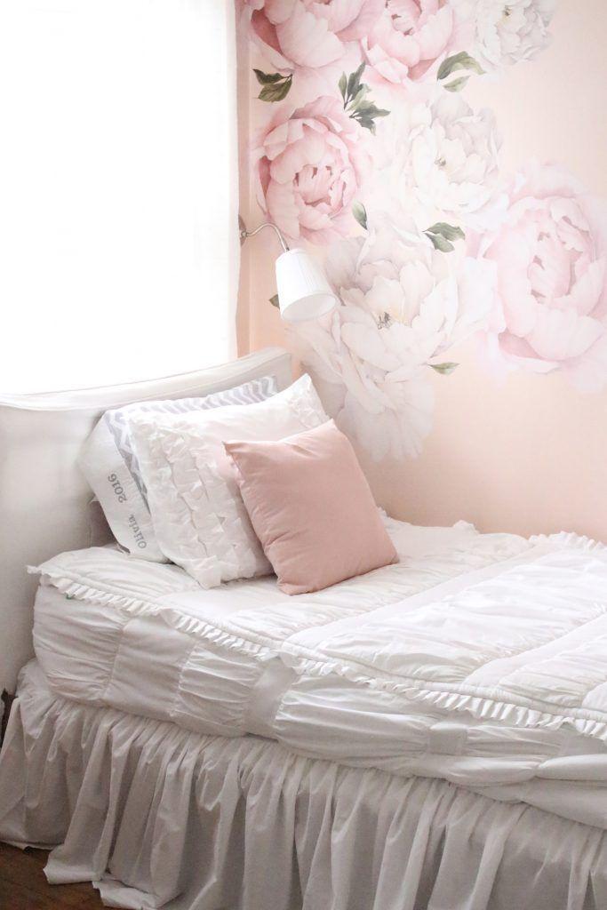 Sweet & Feminine Tween Girl bedroom space- kids bedrooms ...