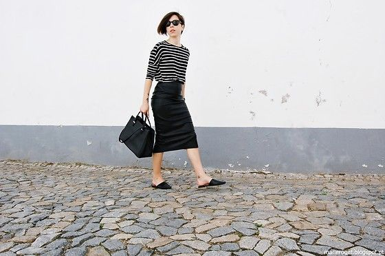 Get this look: http://lb.nu/look/8203185  More looks by Maria Marques: http://lb.nu/marieroget  Items in this look:  Zara Midi Skirt, Pull & Bear Stripped Top, H&M Flat Mules, Mango Tote Bag   #casual #chic #street #flatmules #black #stripes #tubeskirt #midiskirt #minimal