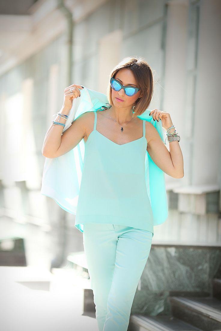 andy-wolf-cat-eye-blue-mirrored-sunglasses-galant-girl