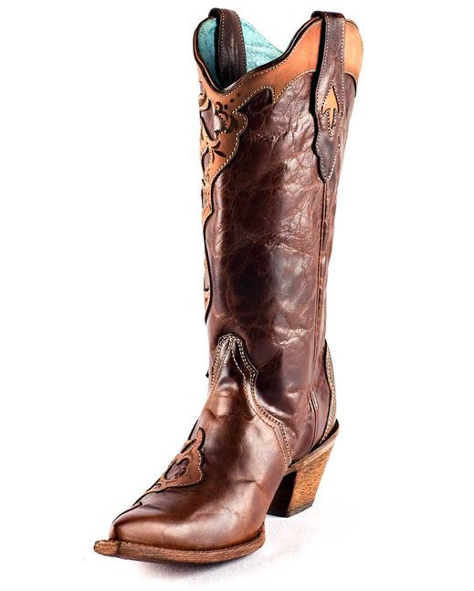 These are beautiful, this shot doesn't do them justice! Check them out on the site, they are so different from other cowboy boots I have seen!