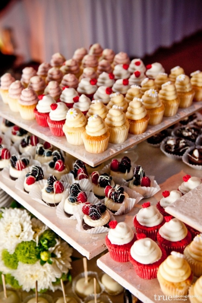 All kinds of wedding sweets! & Cheesecake on a stick!!