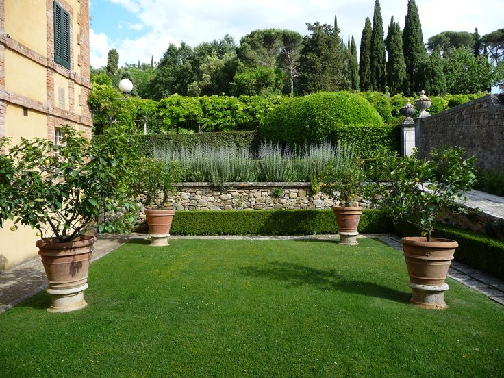 the garden at La Foce Tuscany