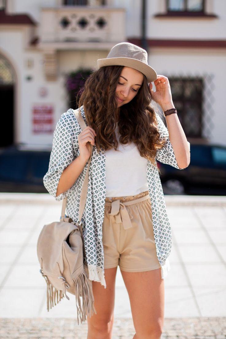 OOTD with beige hat & printed kimono www.kolorowadusza.com