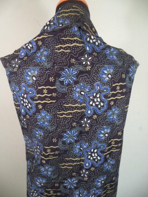 Kain Batik Motif Bunga Biru Keemasan Batik Tulis Kombinasi cap tradisional handmade, bahan katun, ukuran: 1,15 x 2m
