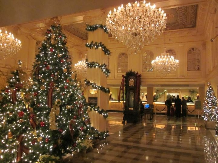 Top 5 christmas decorations in new orleans beautiful for Decor hotel sucha beskidzka