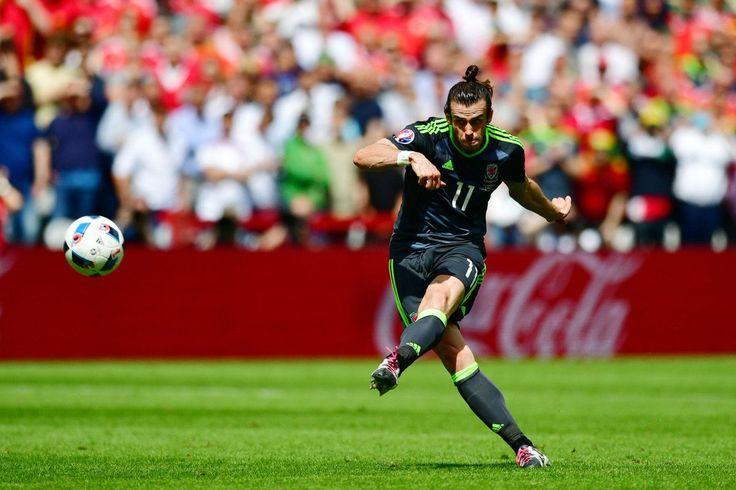 Gareth Bale goal against England. What a free kick! #EURO2016