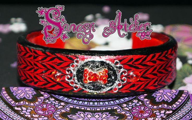 Bangle Art decorated like Nail Art