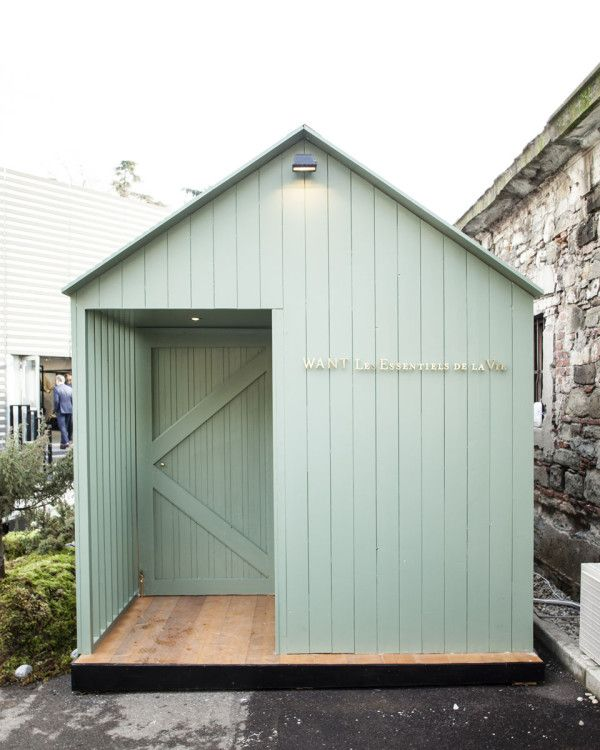 Shows how just an ordinary shed has the bones needed to make a charming and memorable pop-up restaurant or pop-up shop! PopUpRepublic.com