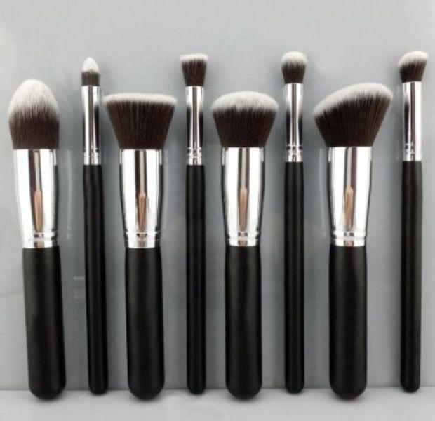 BESTOPE Premium Synthetic Kabuki Makeup Brush Set Cosmetics Foundation Blending Blush Eyeliner Face Powder Brush Makeup Brush Kit (8pcs, Silver Black)