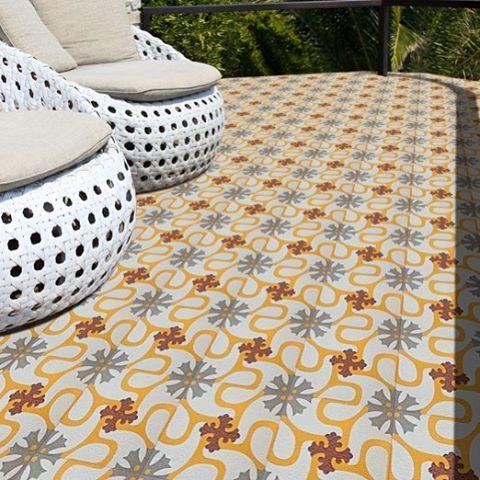 Suelo Hidráulico con Mosaico Hidráulico exterior