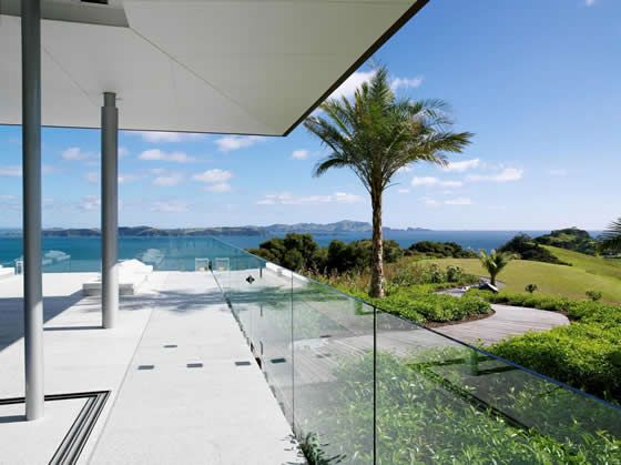 Eagles Nest is a multi-award winning retreat. The 75 acre Estate is set atop its own private peninsula overlooking the spectacular Bay of Islands.