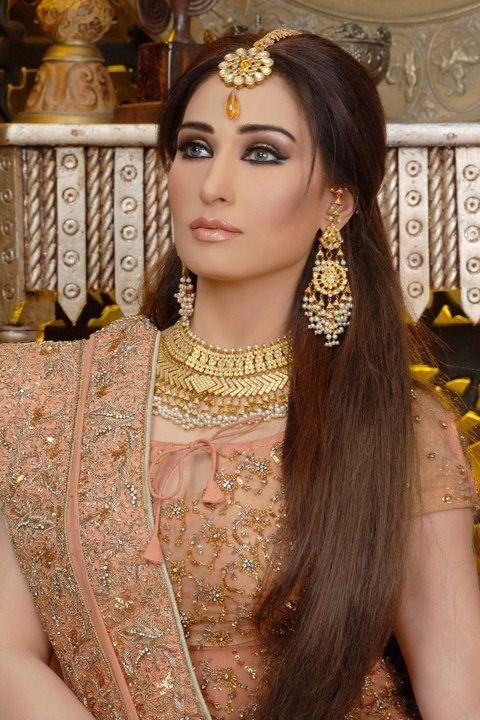 Best 25+ Pakistani Bridal Makeup Ideas On Pinterest | Pakistani Makeup Style Indian Makeup ...